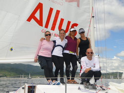 J/24 women sailors- Argentina