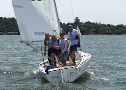 J/22 youth sailing team