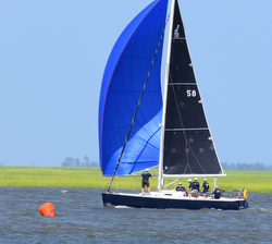 J/100 sailing Hook race