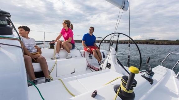 J/112E sailing- cruising with family