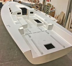 J/121 offshore speedster hull deck fitting