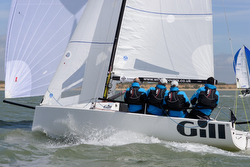 J/70 sailing under spinnaker- Solent Warsash Spring series