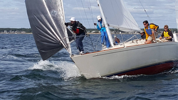 J/30 cruiser-racer sailing Nationals on Buzzards Bay