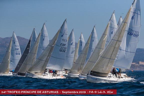 J/80s sailing offshore in Spain