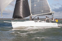 J/109 sailing Hamble series
