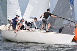 J/24 sailing Great Lakes