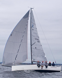 J/88 sailing Gearbuster
