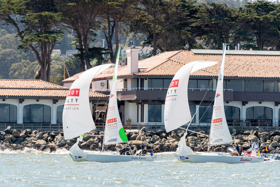 J/22s sailing Nations Cup match race off St Francis Yacht Club