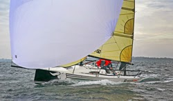 J/88 sailing fast on a reach