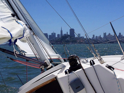 J/100 sailing San Francisco Bay