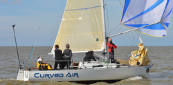 J/27 Curved Air sailing fast
