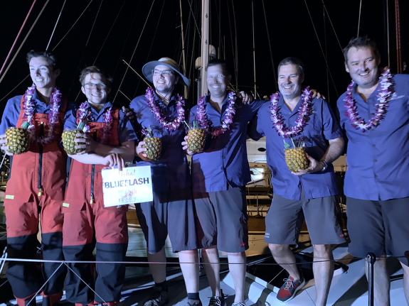 J/121 BlueFlash crew win Transpac
