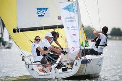 Women sailing Netherlands J/70 Sailing League