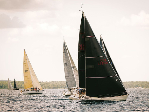 J/35s sailing North Americans