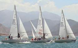 J/24 sailing Argentina