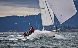 J/105 sailing Seattle Round County race