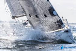 J/122 sailing upwind