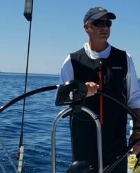 Bob Mampe- sailing J/122E Gotta Wanta
