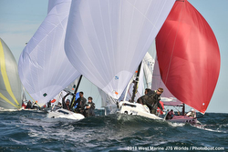 J/70s sailing downwind