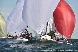 J/70s sailing downwind