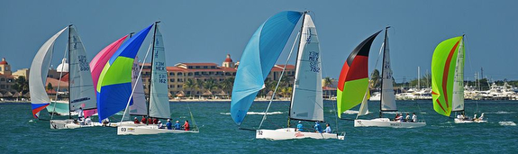J/70s sailing Mexico Nationals off Cancun