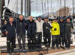 JOY RIDE J/122E Sydney Hobart team