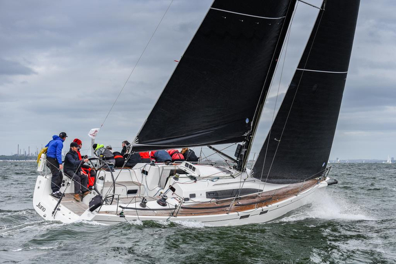 J/112E sailing Warsash Series