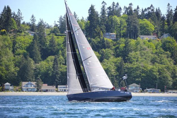J/122 sailing Race to Straits
