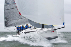 J/122E sailing SPI Ouest France regatta