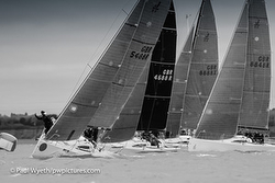 J/88s racing Hamble Winter Series- Hamble River Sailing Club