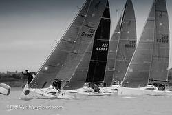 J/88s racing Hamble Winter Series- Hamble River Sailing Club