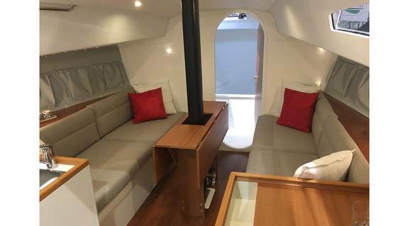 J/99 interior