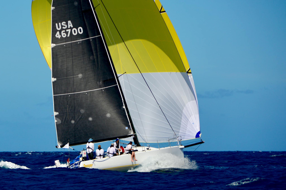 J/125 Snoopy sailing Transpac Race