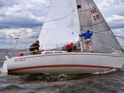 J/30 one-design sailboat at Cedar Point YC regatta