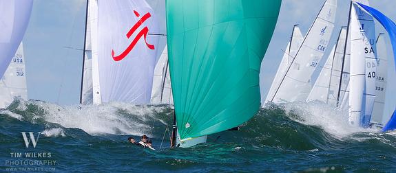 J/70s sailing downwind on Lake Erie