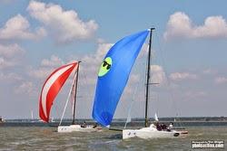 J/70s sailing the Solent