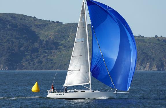 J/120 sailing Farallones Race