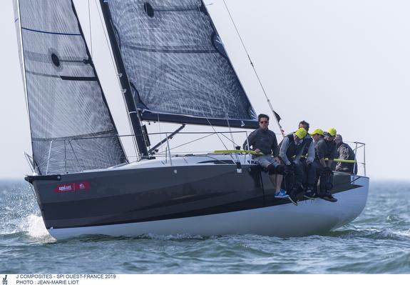 J/99 sailing SPI Ouest France