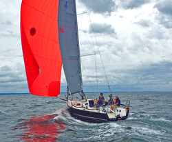 J/88 sailing fast on Long Island Sound