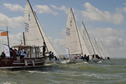 J/80 league training off France