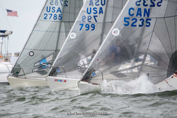 J/24s sailing regatta