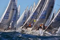 J/24 Worlds- sailboats are sailing around mark