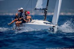 J/70 sailing upwind