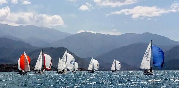 J/24s sailing Argentina, Mendoza