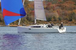 J/122e sailing- sports cruiser