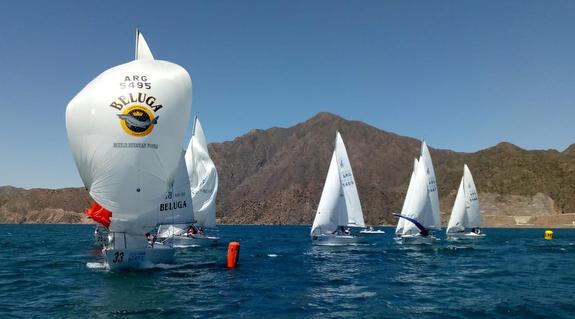 J/24s sailing in Potrerillos, Mendoza, Argentina