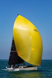 J/122 sailing offshore