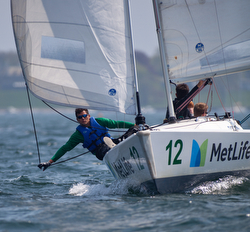 Warrior Sailing teams on J/22s