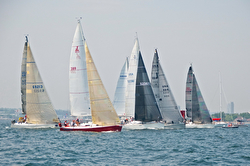 J/105 sailing Block Island Race