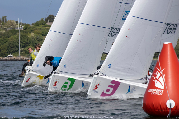 J/70s sailing Danish Sailing League